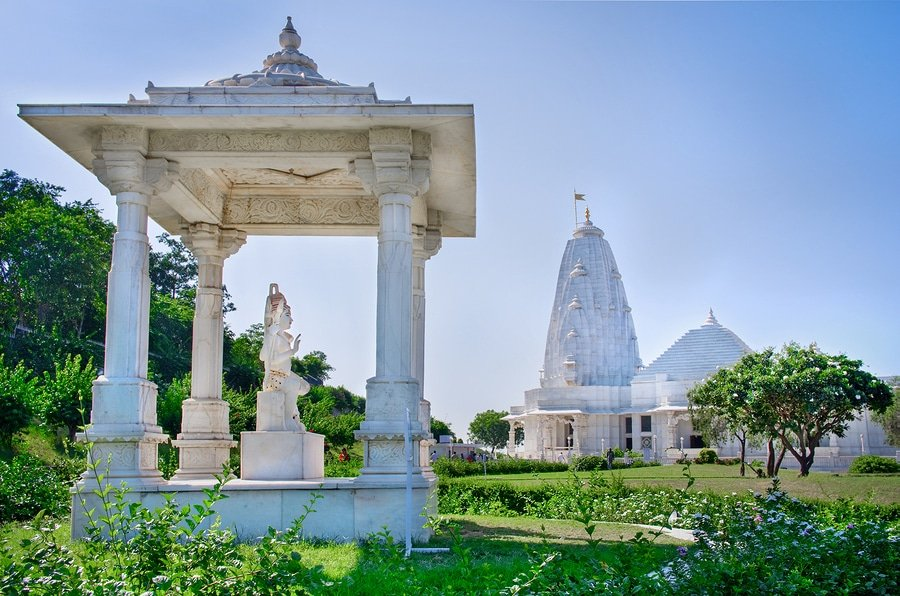 Birla Mandir, Jaipur is a Hindu temple and it is one of the several Birla mandirs located all around the country. The grand temple is located on an elevated ground at the base of Moti Dungari hill in Rajasthan