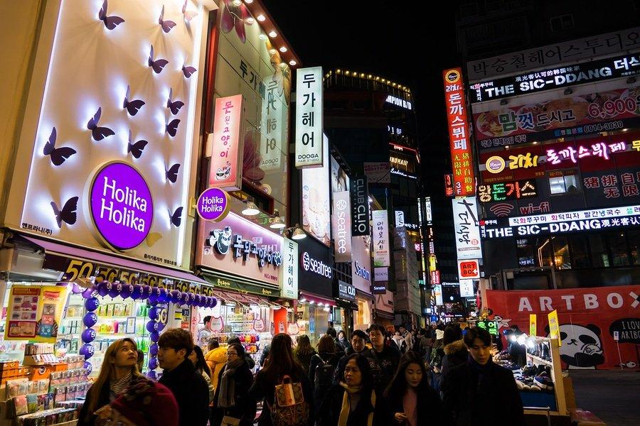 Myeongdong Market shopping street