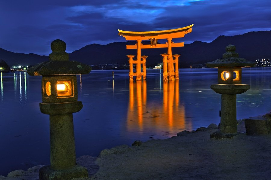 The Great floating gate (O-Torii) on Miyajima island near Itsukushima shinto shrine, Japan