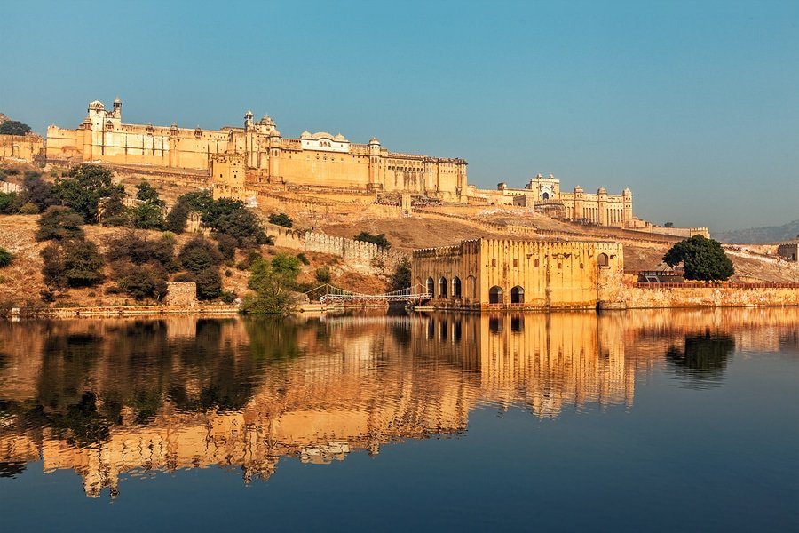Famous Rajasthan indian landmark - Amer (Amber) fort, Jaipur
