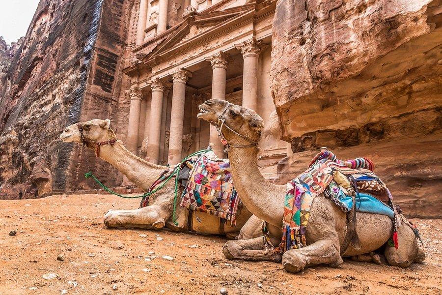 The treasury Al-Khazneh, Petra, Jordan